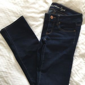 American Eagle. Size 2 Jeans.